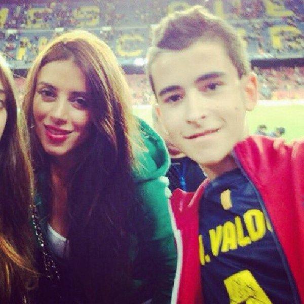 Antonella Roccuzzo, Daniella Semaan et Thaissa Carvalho pendant le match FCB vs AC Milan