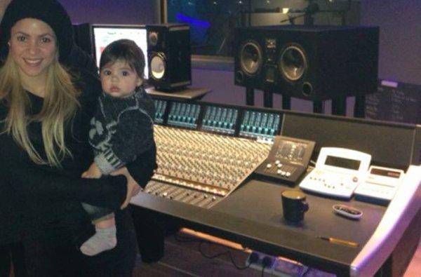 Shakira et Milan au studio le 19 - 11