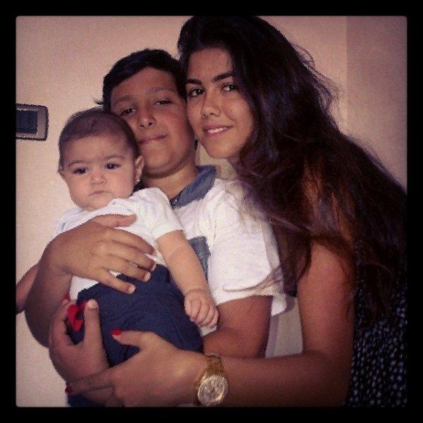Lia Fabregas avec son oncle Charbel et sa tente Suzanna Semaan