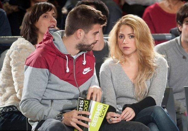 Shakira et gerard Piqué pendant un mach de Basket le 29 - 11