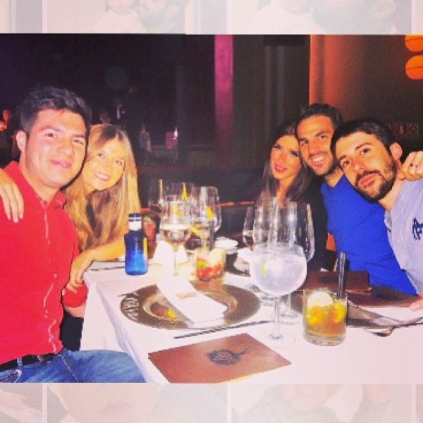 Daniella Semaan, Cesc Fabregas et leurs amis le 07 - 12