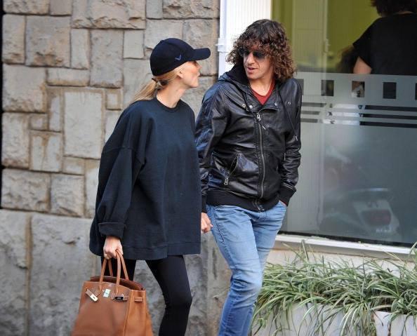 Vanessa Lorenzo et Carls Puyol dans les rues de Barcelone le 09 - 12