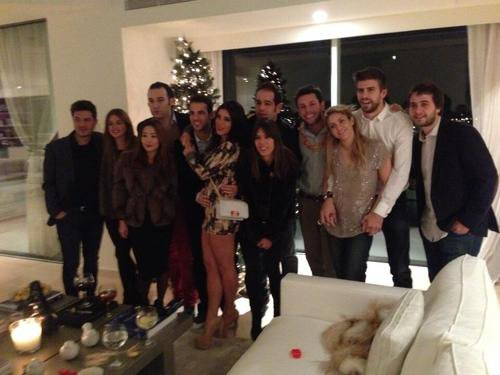 Cesc Fabregas, Daniella Semaan, Gerard et Marc Pique, Shakira et des Amis le 31 - 12
