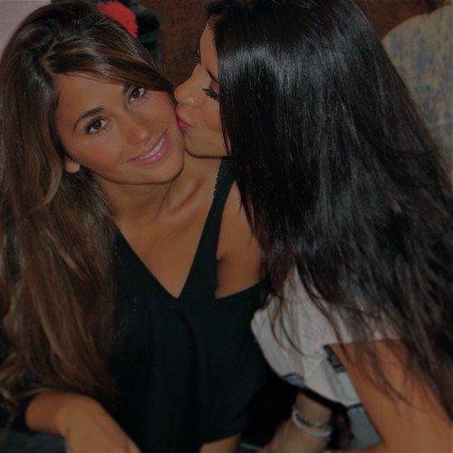 Daniella Semaan et Antonella Roccuzzo le 08 - 01