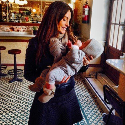 Nagore Aranburu et sa fille Emma le 24 - 01