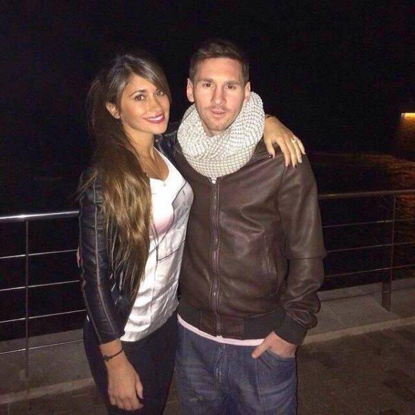 Antonella Roccuzzo et Leo Messi le 26 - 01