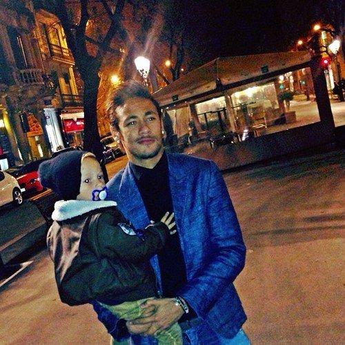 Neymar et son fils Davi Lucca le 19 - 03