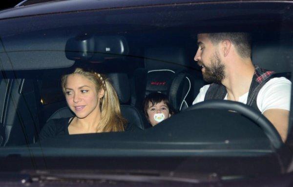 Shakira, Gerard et Milan Piqué a l'anniversaire de Lia Fabregas le 10 - 04