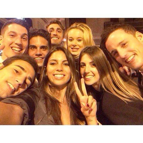 Melissa Jimenez, Marc Bartra et des amis le 10 - 06