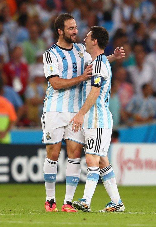 Rumeur: Gonzalo Higuain bientot au FC Barcelone