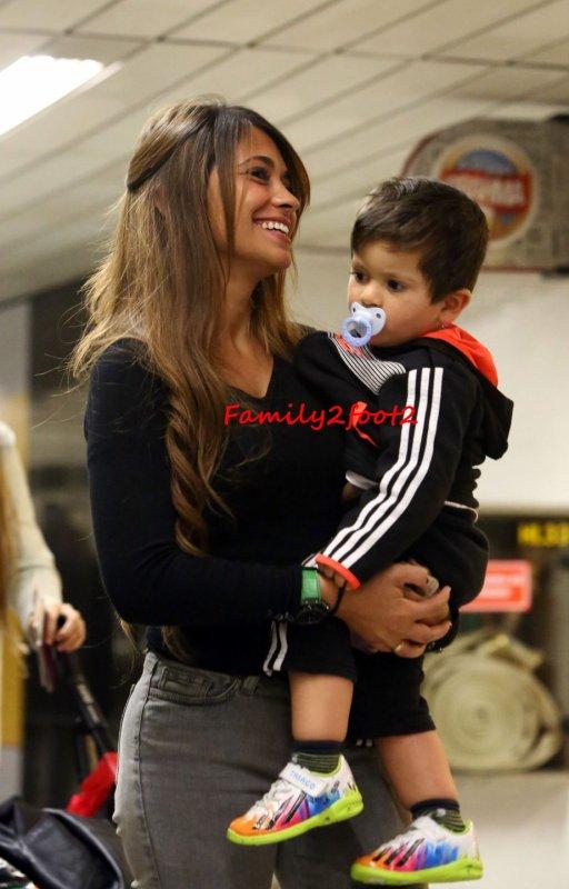 Antonella Roccuzzo et Thiago Messi le 22 - 06