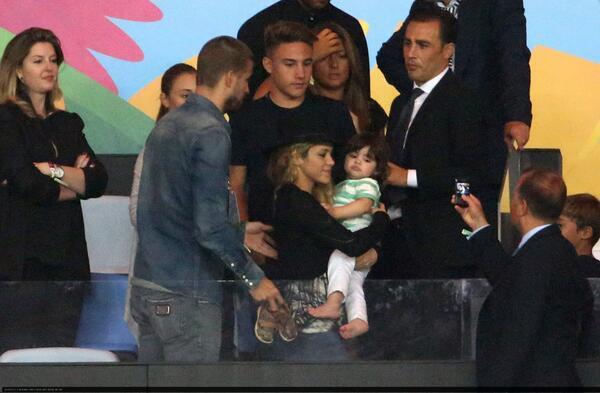 Shakira, Gerard Piqué et Milan Piqué le 13 - 07
