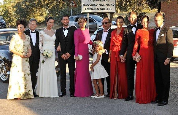Pilar Rubio, Vania Milan, Sergio, René, Daniella, Myriam et Paqui Ramos le 20 - 07