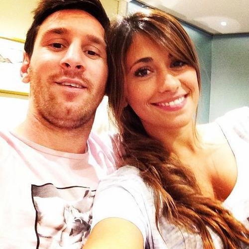 Antonella Roccuzzo et Leo Messi le 21 - 07