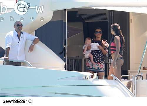 Chloé de Launay et Melia Benzema a Ibiza