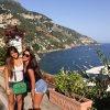 antonella Roccuzzo et Daniella Semaan le 26 - 07 a Capri