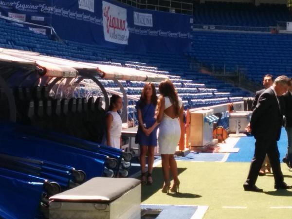 Andrea Salas, Daniela et Keylor Navas au Bernabeu le 05 - 08