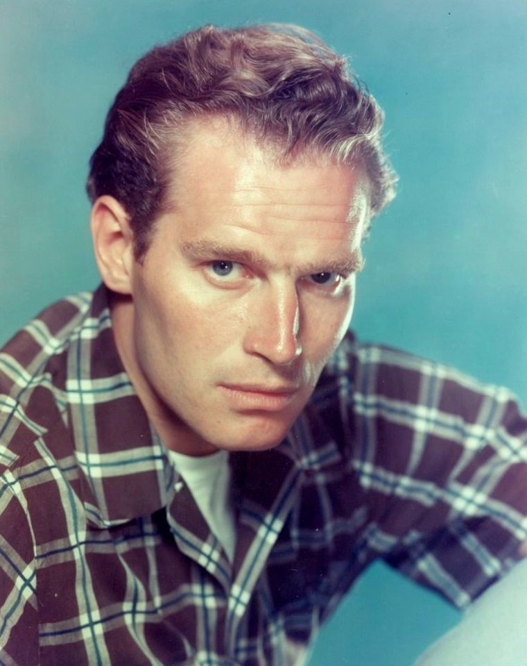 "Charlton HESTON (Born : John Charles CARTER,  October 4, 1923 in Wilmette, Illinois, USA,  Died : April 5, 2008 (age 84) in Beverly Hills, Los Angeles, California, USA) Height : 6' 2½"" (1,89 m)"