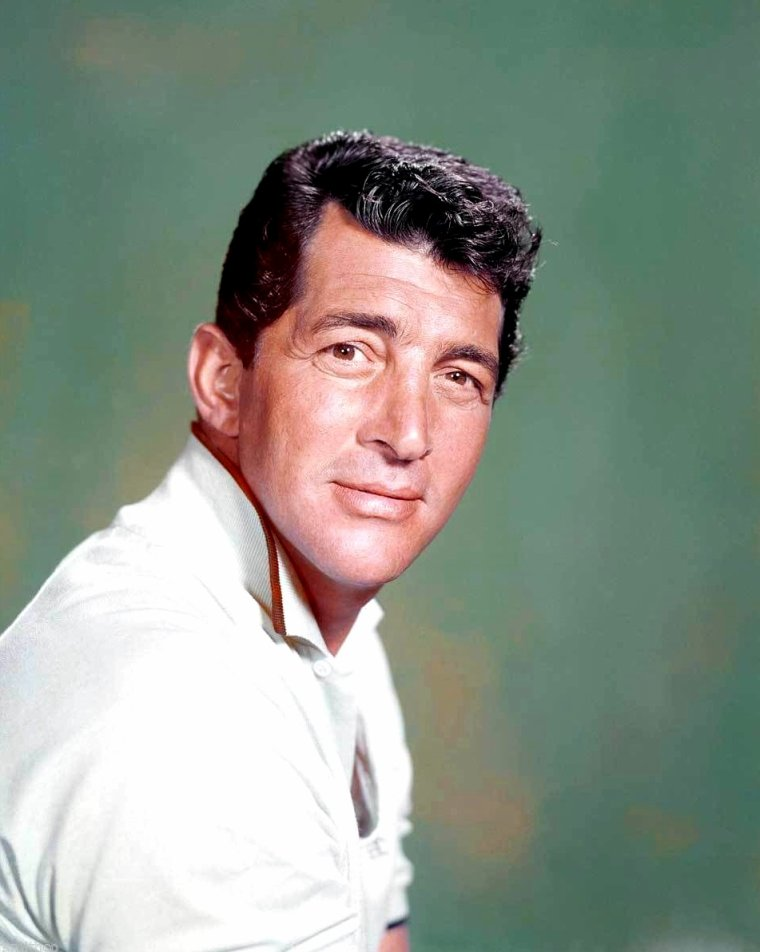 "Dean MARTIN (Born : Dino Paul CROCETTI,  June 7, 1917 in Steubenville, Ohio, USA,  Died : December 25, 1995 (age 78) in Beverly Hills, Los Angeles, California, USA) Height : 5' 11"" (1,80 m)"