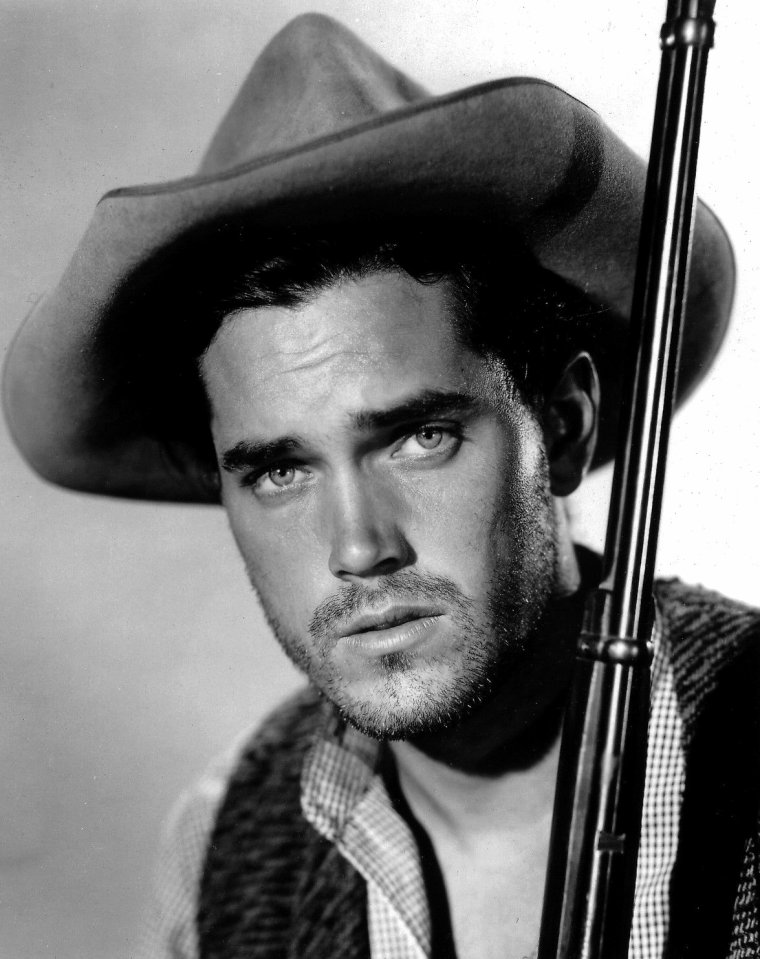 Jeffrey HUNTER (Born : Henry HERMAN McKINNIES Jr.,  November 25, 1926 in New Orleans, Louisiana, USA,  Died : May 27, 1969 (age 42) in Los Angeles, California, USA) Height : 1,6' (1,83 m)