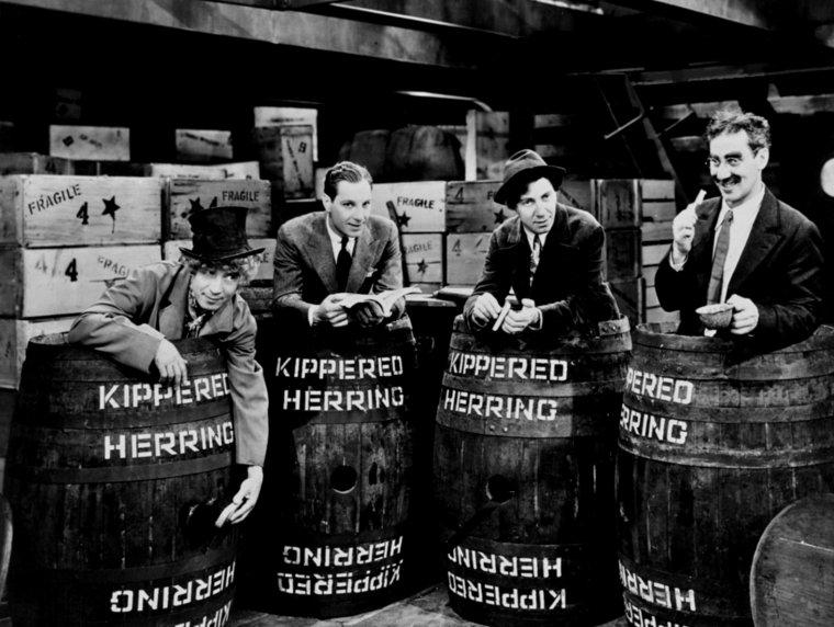 The MARX Brothers (Groucho MARX / Harpo MARX / Chico MARX / Gummo MARX / Zeppo MARX)