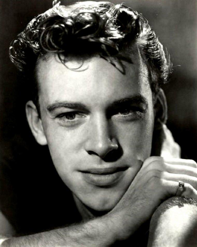 "Skip ""Skippy"" HOMEIER (Born : George Vincent HOMEIER,  October 5, 1930 in Chicago, Illinois, USA)  Height : 6' 1½"" (1,87 m)"