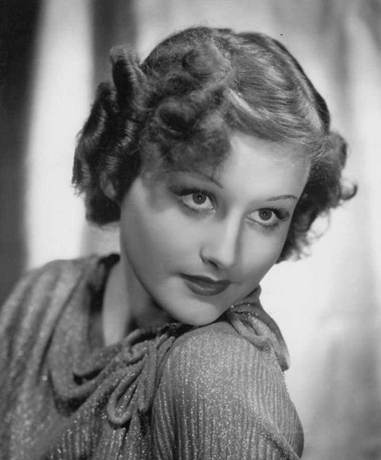 Lynne CARVER (Born : Virginia REID SAMPSON,  September 13, 1916 in Douglas, Arizona, USA,  Died : August 12, 1955 (age 38) in New York City, New York, USA)