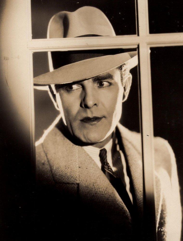 "Antonio MORENO (Born : Antonio GARRIDE MONTEAGUDO,  September 26, 1887 in Madrid, SPAIN,  Died : February 15, 1967 (age 79) in Beverly Hills, Los Angeles, California, USA)  Height : 5' 10"" (1,78 m)"