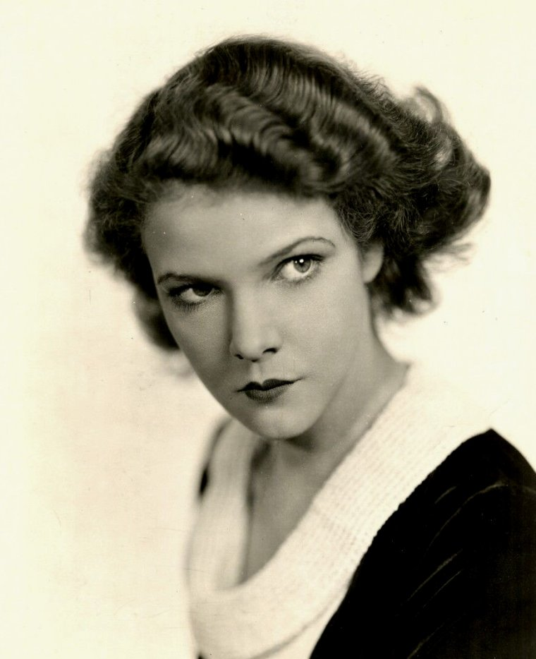 "Elissa LANDI (Born : Elizabeth Marie Christine KÜHNELT,  December 6, 1904 in Venice, ITALY,  Died : October 21, 1948 (age 43) in Kingston, New York, USA)  Height : 5' 5"" (1,65 m)"