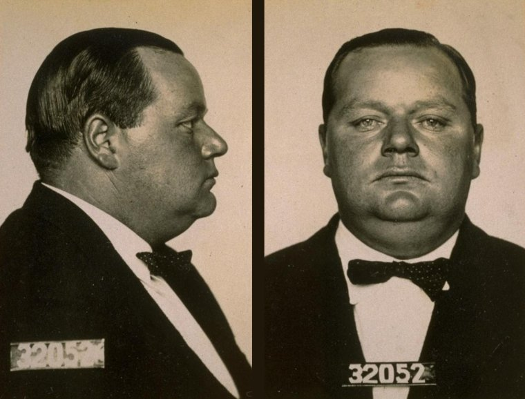 "Roscoe ""Fatty"" ARBUCKLE (Born : Roscoe CONKLING ARBUCKLE,  March 24, 1887 in Smith Center, Kansas, USA,  Died : June 29, 1933 (age 46) in New York City, New York, USA)  Height : 5' 10"" (1,78 m)"