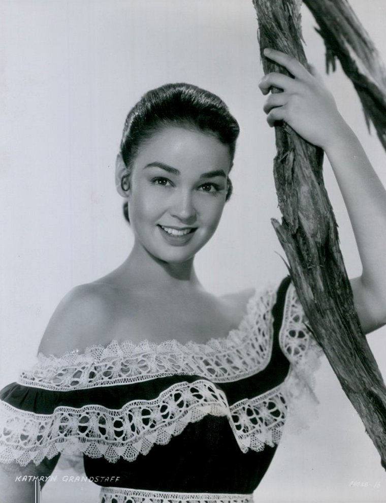 Kathryn GRANT (CROSBY) (Born : Olive Kathryn GRANDSTAFF,  November 25, 1933 in Houston, Texas, USA)