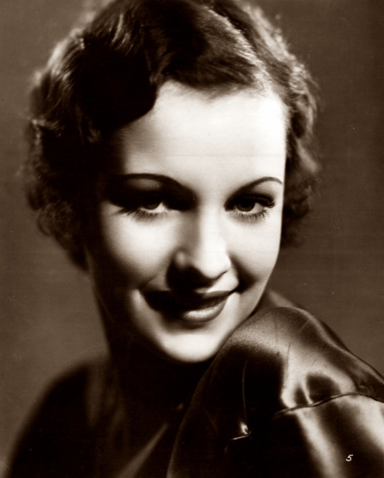 "Irene WARE (Born : Irene AHLBERG,  November 6, 1910 in New York City, New York, USA,  Died : March 11, 1993 (age 82) in Orange, California, USA)  Height : 5' 6"" (1,68 m)"