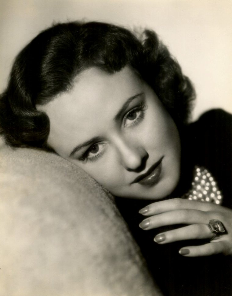 "Margaret LINDSAY (Born : Margaret KIES,  September 19, 1910 in Dubuque, Iowa, USA,  Died : May 9, 1981 (age 70) in Los Angeles, California, USA) Height :	5' 5"" (1,65 m)"