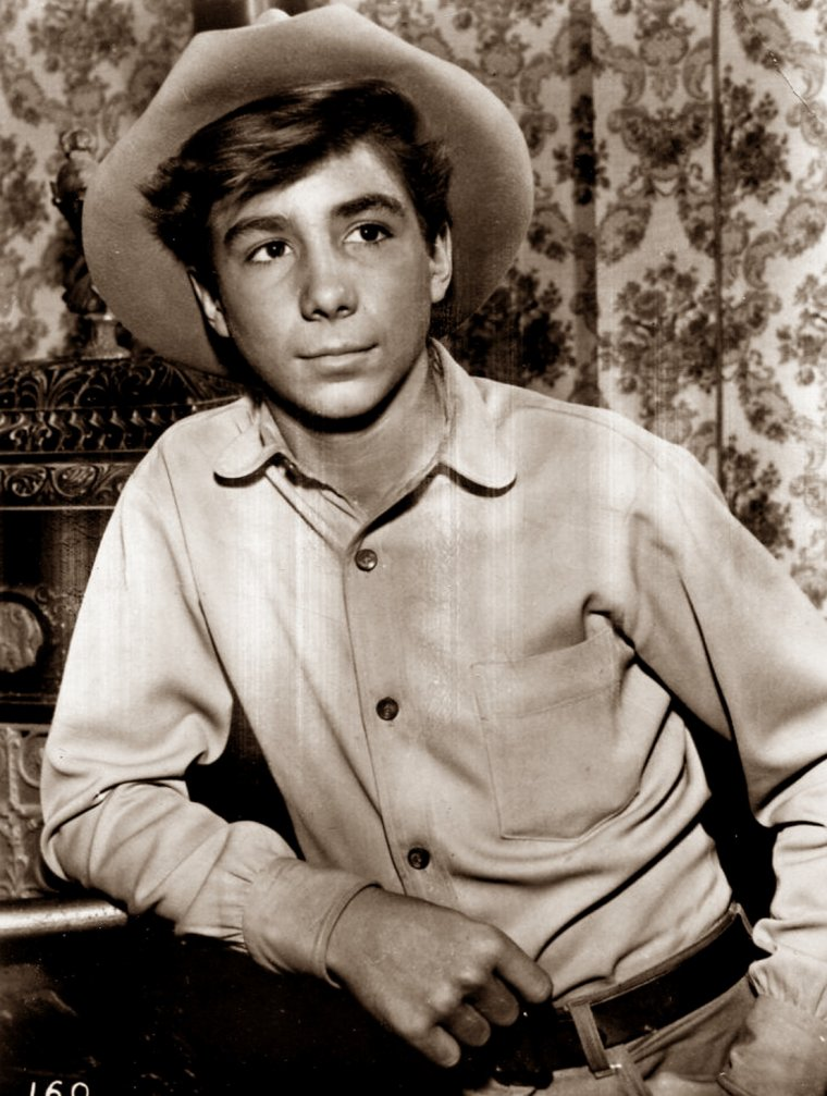 "Johnny CRAWFORD (Born : John Ernest CRAWFORD,  March 26, 1946 in Los Angeles, California, USA) Height : 5' 8"" (1,73 m)"