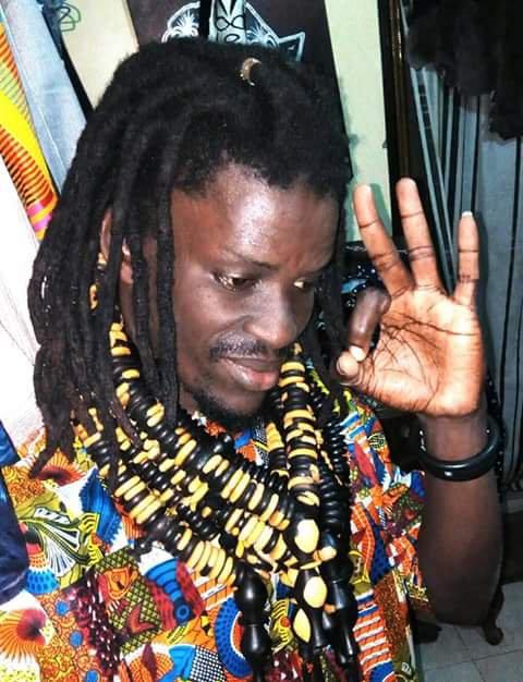 Les homme on les apeles les Bay Fall les disciples de mame cheikh au Sénégal