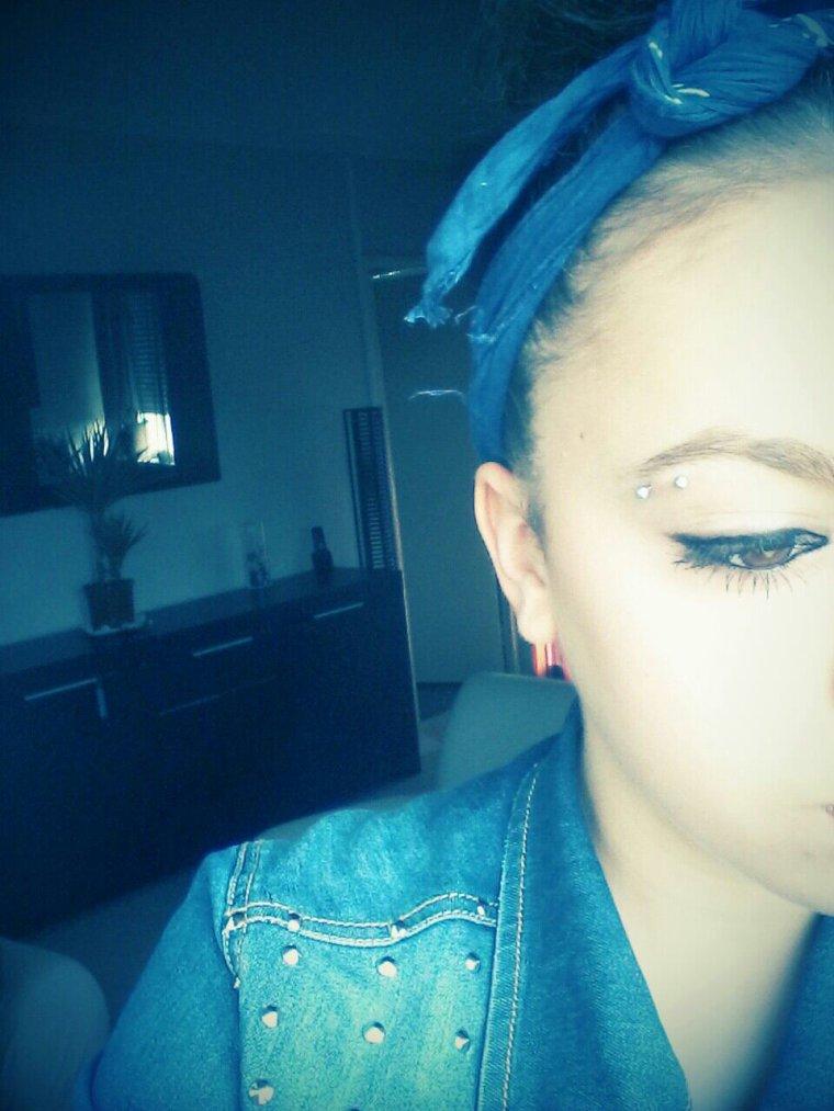 - Les larmes qui coulent sont amères mais plus amères encore sont Celles qui ne coulent pas .. ♥