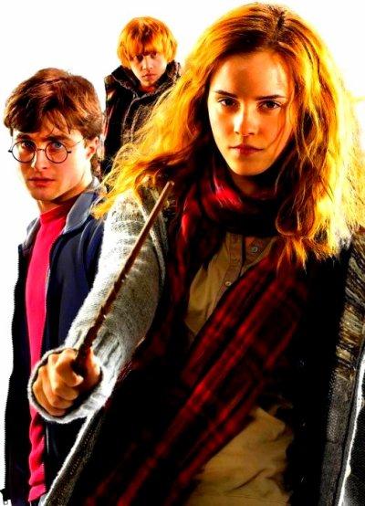 """"""" Mais vous savez, on peut trouver du bonheur même dans les endroits les plus sombres. Il suffit de se souvenir d'allumer la lumière """" Dumbledore."""