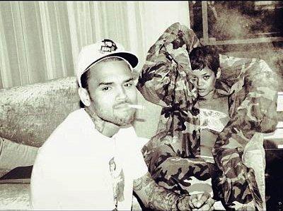 Chris Brown poste une photo de Rihanna pour marquer son retour sur Twitter. ( Actualité du 3 Décembre. )
