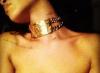 Rihanna se fait tatouer le surnom de Chris Brown. ( Actualité du 8 Décembre. )