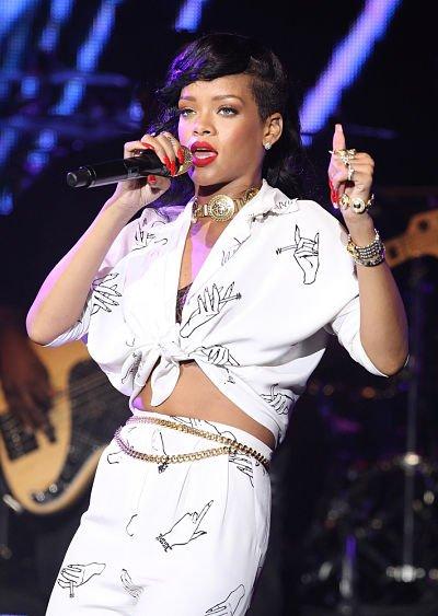 Rihanna & Chris Brown ensemble aux Grammy Awards ( Actualité du 10 Décembre )