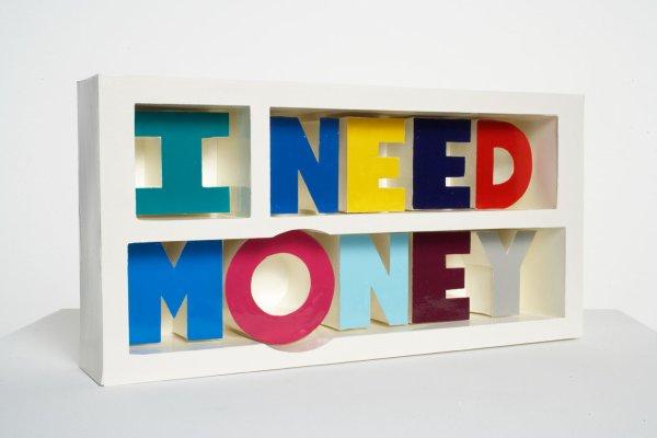 Première étape: Trouver de l'argent et donc un travail...