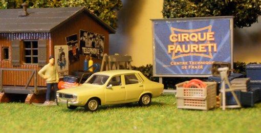Voiture souvenir 04 Renault 12L