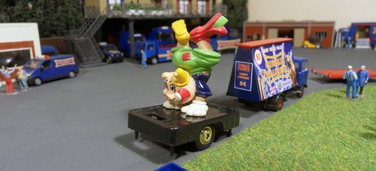 Convoi Pub Clown 01
