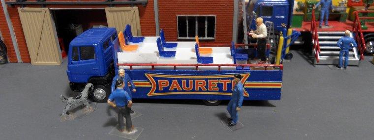 Porteur parade musiciens 02