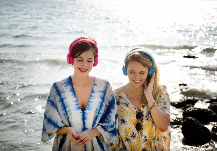 Speakstick waterproof Bluetooth speaker: Your memoir companion