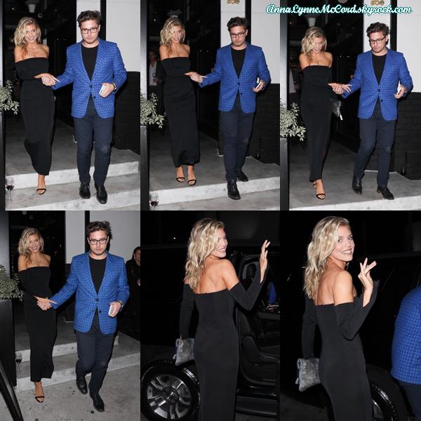 30/11/17 : AnnaLynne était repérée se rendant à une soirée à  Cléo  à West Hollywood.  Je trouve qu'Anna fait très sensuelle, j'adore sa tenue c'est un top !