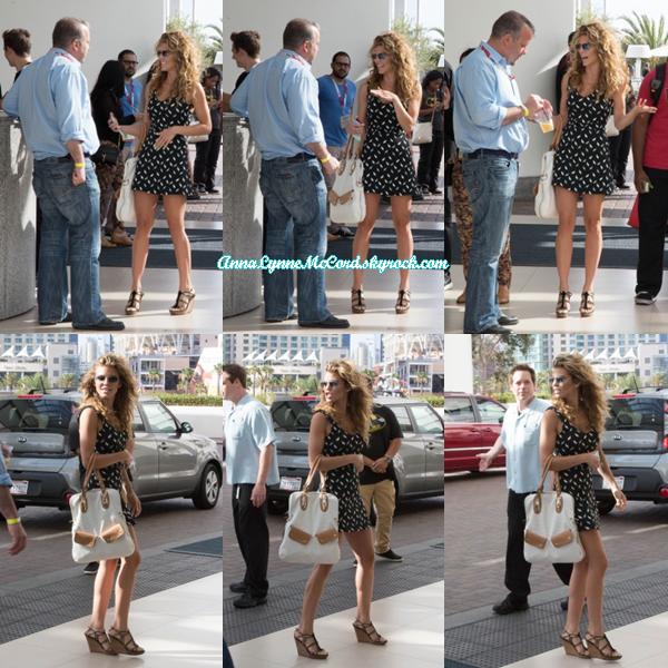 11/07/15 : AnnaLynne à été aperçue quittant le Comic-Con  à San Diego (Californie).