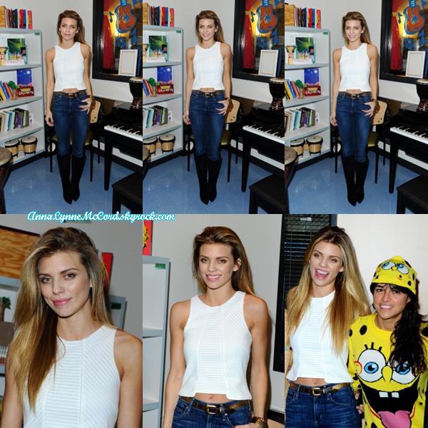 09/12/14 : AnnaLynne visitait un hôpital pour enfants à Los Angeles .