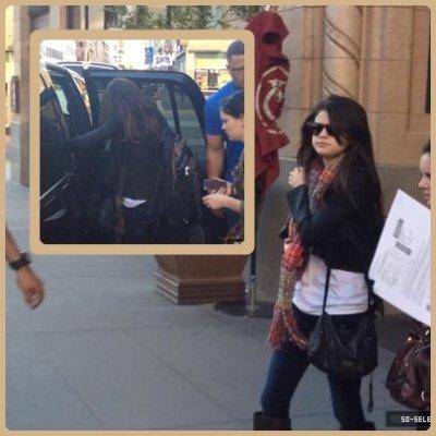 Selena quitte son hôtel à Sacremento