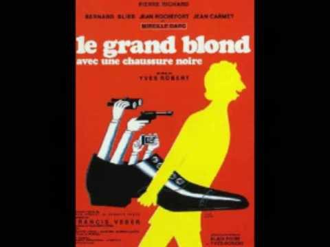 Le Grand Blond Avec Une Chassure Noire